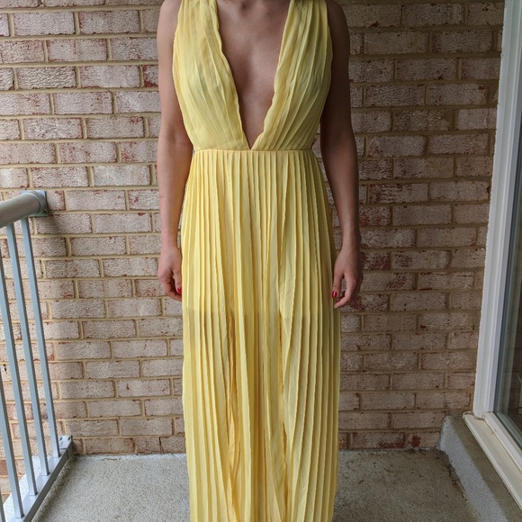 8080e8c84a0b Boohoo Dresses & Skirts - New Maxi Dress Boohoo Pleated Strappy Sides Yellow
